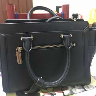 charles and keith bag(free delivery with MM)