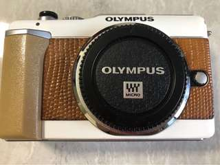 Olympus Pen e-PL1 mirrorless Camera body