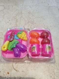 Toy kitchen food