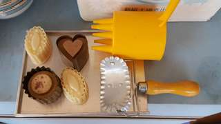 Vintage baking set