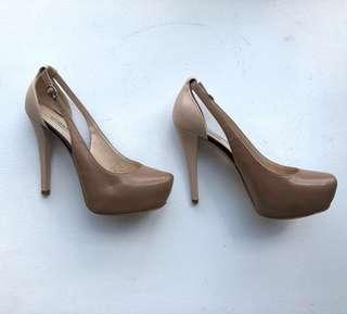 Guess (designer) two tone beige platform heels