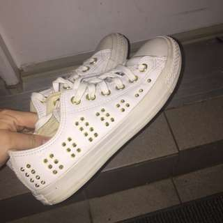 White converse with gold studs