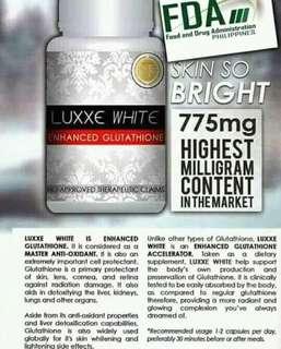 LuxxeWhite001