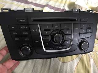 Mazda 5 original CD player / remove from day 1