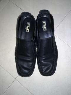 Italian leather loader shoe