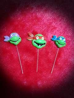 Brand NEW Teenage Mutant Ninja Turtles Pins Set
