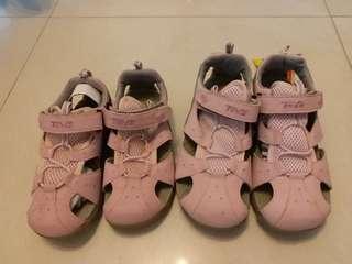 🈹️🈹️↘️$600/2對 Teva 親子休閒鞋