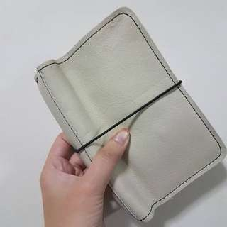Foxyfix No 2/Pocket/Field Note Size Couture Moccasin Cream Leather Notebook Cover