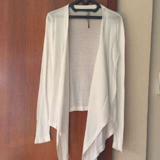 White Stradivarius Outer