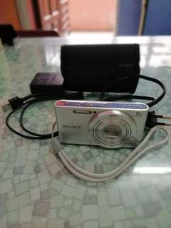 Camera sony dsc-w830 +memory card 16 gb