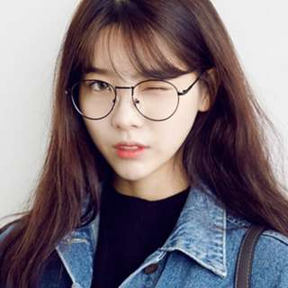 INSTOCK no degree rounded spectacles (in black)