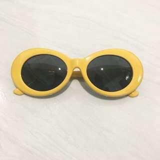 Kacamata kurt cobain