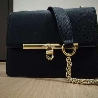 Black Push-lock Chain Sling Bag