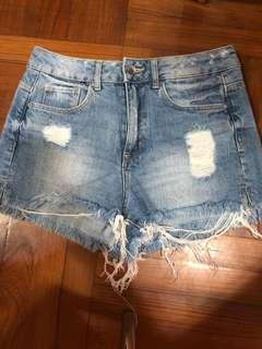H&M 破洞牛仔短褲(2) 🔥