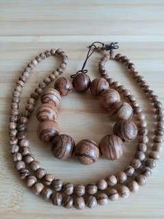 一手兩條 名貴越南 芽莊沉香: 一條20mm手串,加一條108粒珠鏈, 可以作三或四行手鍊配戴