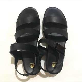 INSTOCK Black Platform Sandals