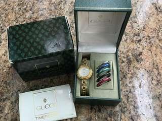 Gucci 錶 Watch 一套多色 timepieces 可換錶面