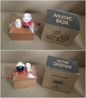 ** 分享 ** Sanrio Minna No Tabo 大口仔 1988 年 半睡眼人形陶瓷手動音樂盒