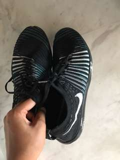 Nike flyknits ( only used 3/4 times )