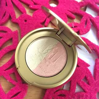 Too Faced Candlelight Glow Highlighter Powder Duo In Rosy Glow
