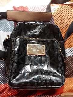 Preloved Michael Kors flight bag