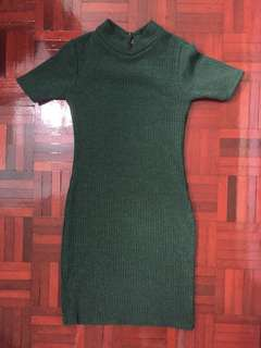 Green knitted bodycon dress