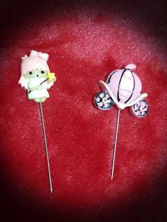 Brand NEW Pink Little Twin Star & Pink Carriage Pins Set