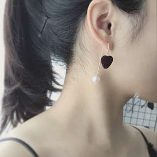 [INSTOCKS] Velvet Heart Shape Pearl Dangle Earrings