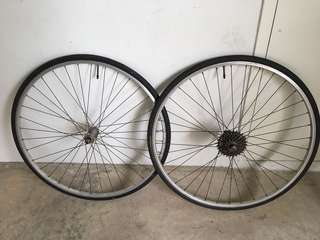 Vintage San Remo Racing 700c wheelset with tubes and tyres