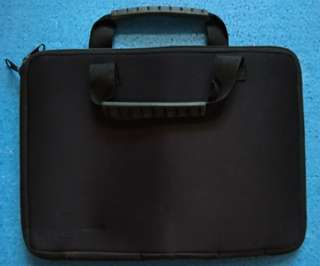 Tas Netbook / Laptop sleeve Softcase 10 inch warna hitam