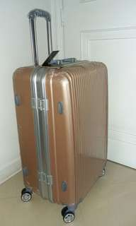 全新 29吋 Polo Elegant 行李箱 luggage (not Samsonite)