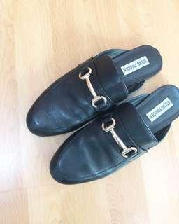 Authentic preloved steve madden flip sandals