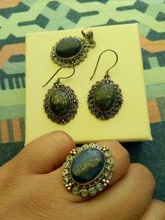 Vintage Sale! Set of Lapiz Lazuli in Silver