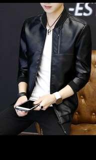 🚚 Faux leather jacket