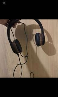 Cotton on Headphone