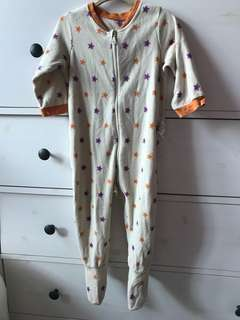 Uniqlo baby pyjamas