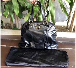 RUSH SALE YSL Muse Large Patent leather Black