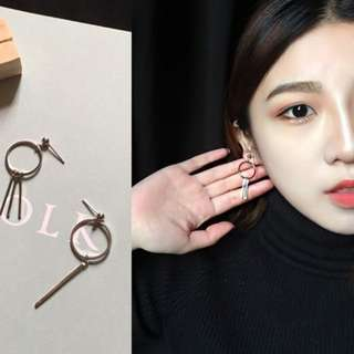 [INSTOCKS] Geometric Irregular Minimalistic Dangle Earrings