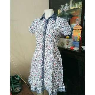 Dress batik putih biru Size S LD 83 - 86 cm Baru dipakai 3x