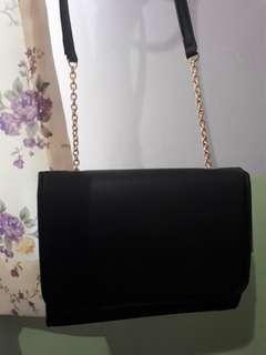 SLINGBAG H&M black chain