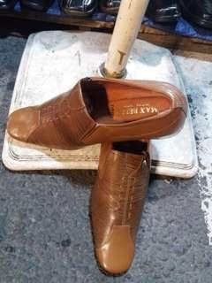 Sepatu Pantofel Kulit Asli dari Garut