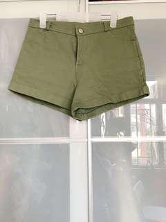 全新軍綠色短褲
