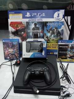 PS4 Slim BUNDLE 500 GB Includes Everything! (Less than 2 months old with receipt and warranty)