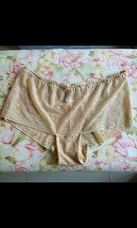 Cream lace seamless panty