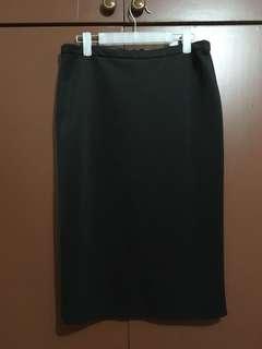 used SM WOMAN black skirt