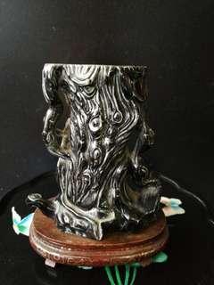 清 道光 黒釉 雕瓷笔筒 高 15公分 阔 14公分 厚 10公分
