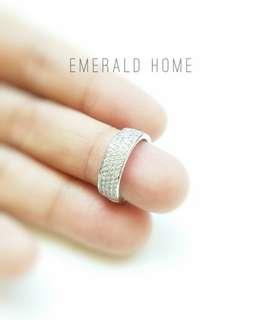 自家緬甸玉石珠寶完美追求者之選 。  價格: $800HKD   鑲嵌: s925 晶石: 高碳鑽 尺寸: 6號