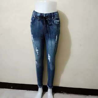 ACID WASH TATTERED MAONG JEANS