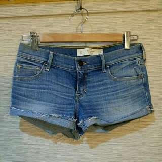A&F 牛仔刷舊短褲