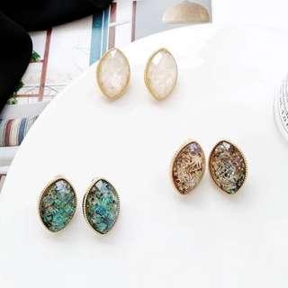 🌸 Huge oval diamond gold rim jewel marble quartz stone minimalistic stud earrings